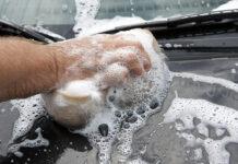 Gąbki do mycia samochodu – co warto wiedzieć przed zakupem?